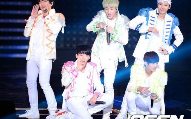 B1A4 na ich prvom koncerte s názvom BABA