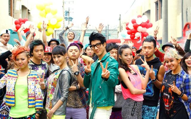 Wang LeeHom v klipu 12 Zodiacs