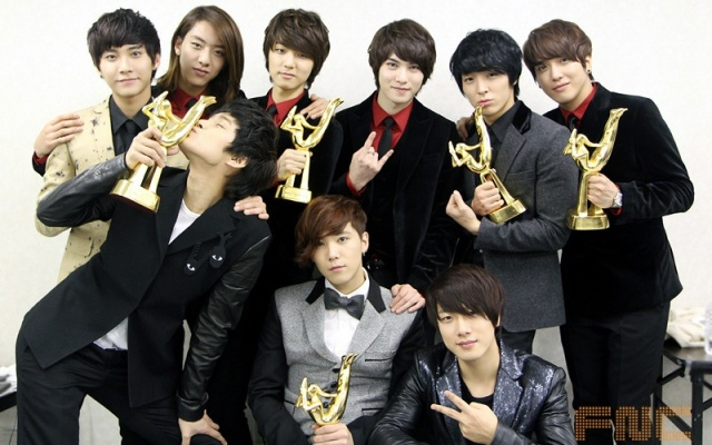 FTISLAND a CNBLUE na Golden Disk Awards 2012