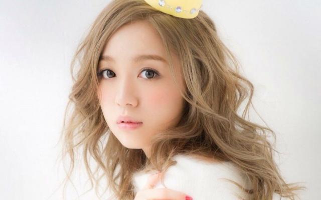 Japonská speváčka Nishino Kana
