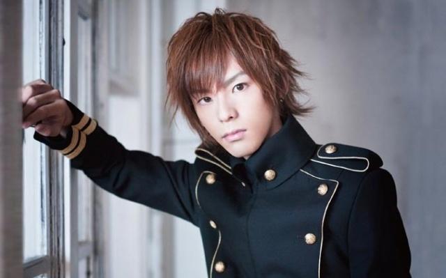 Že by Tada Hiroshi začínal svojí solo kariéru?